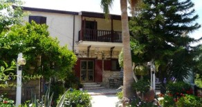 4 bedroom stone-built house in Finikaria