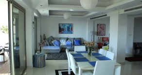 2 bed apartment in Ayios Tychonas seafront