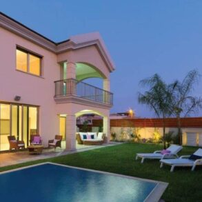 For Sale – 5 bedroom detached house in Linopetra, Limassol