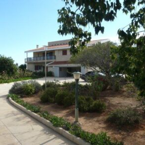 For Rent – 6 bedroom exclusive villa in Sfalagiotissa, Agios Athanasios, Limassol