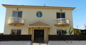 4 bedroom detached house in Pyrgos