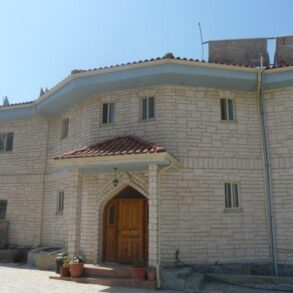 For Sale – 5 bedroom detached house in Akrounda, Limassol