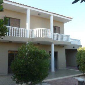 For Sale – 4 bedroom detached house in Parekklisia, Limassol