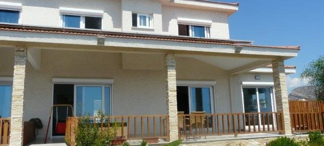 3/4 bedroom semi detached house in Panorea
