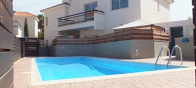 2 bedroom apartment in Pyrgos