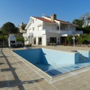 For Rent – 5 bedroom detached house in Agios Tychonas, Limassol