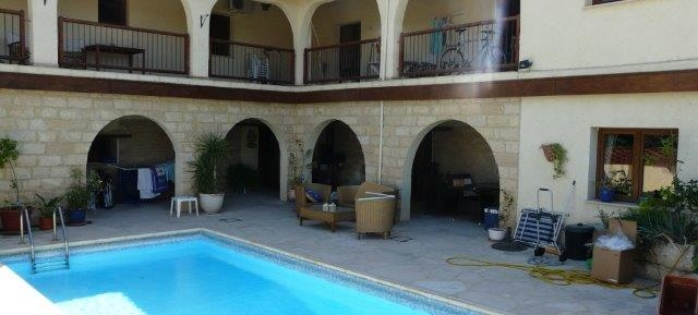 4 bedroom detached stone house in Finikaria