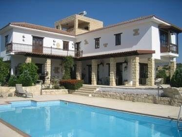4 bedroom stone house in Pyrgos