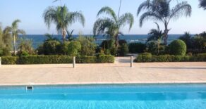 2 bedroom modern apartment on the beach in Amathus