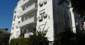 2 bedroom apartment in Enaerios seafront
