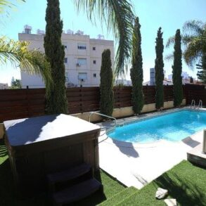 For Sale – 3 bedroom detached house along the seafront in Agios Tychonas, Limassol