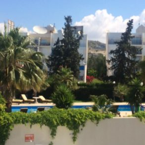 For Rent - Near St Raphael - 2 bedroom furnished apartment on complex with swimming pool and tennis court