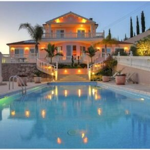 For Sale - 6 bedroom detached house in Akrounda, Limassol