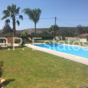 4 bedroom detached bungalow in Pyrgos