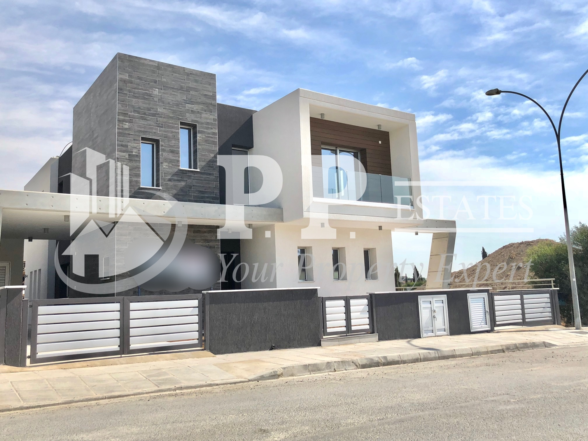 For Sale – Brand new 4 bedroom detached house in Agios Athanasios, Limassol.
