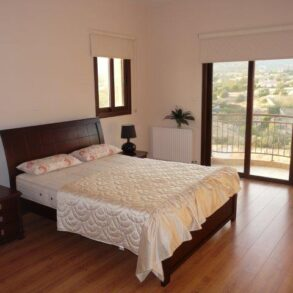 For Sale - 4 bedroom detached house in Parekklisia, Limassol